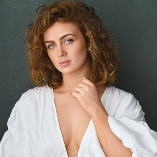 Maisie Smith Official